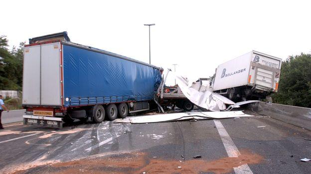 Accident l 39 autoroute e42 rouverte hauteur de la - Meteo la louviere ...