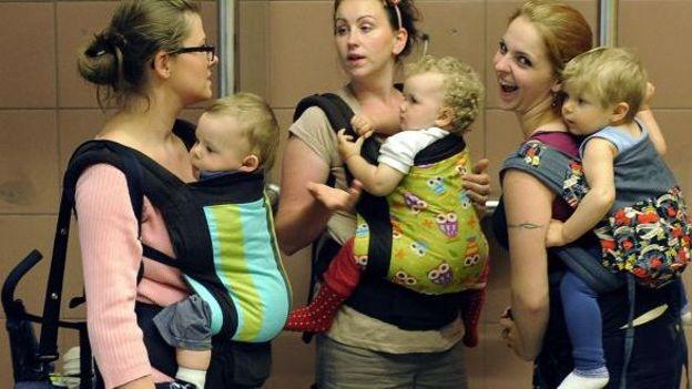 En Pologne, les femmes sont souvent confrontées au choix entre leur travail et garder leurs enfants